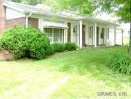 3 West Beacon Hill Fairview Heights IL, 62208