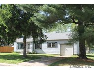 905 East Durley Street Greenville IL, 62246