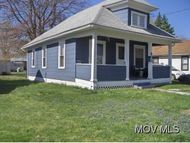 902 27th Street Vienna WV, 26105
