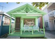 322 Sumner Avenue Avalon CA, 90704
