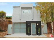 2827 Pacific View Trail Los Angeles CA, 90068