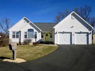 16 Redwood Ct Rensselaer NY, 12144