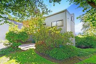 11226 Ne 68th St #A Kirkland WA, 98033