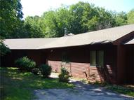 69 Fieldstone Ter Naugatuck CT, 06770