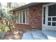 28 Village Ln Burlington CT, 06013