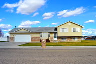 579 S Adam Lane Idaho Falls ID, 83401