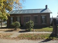 104 E 4th St Waverly OH, 45690