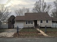 170 Charter Oaks Ave Brentwood NY, 11717