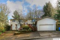 2740 Holiday Dr S Salem OR, 97302
