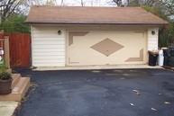207 Forest Court Antioch IL, 60002
