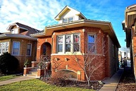 5522 West Cornelia Avenue Chicago IL, 60641
