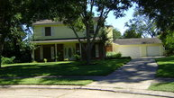 58 Ash Ct. Lake Jackson TX, 77566