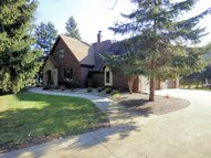 2 S Meadowbrook Ln Appleton WI, 54914