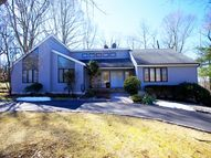 18 Hemlock Road Livingston NJ, 07039