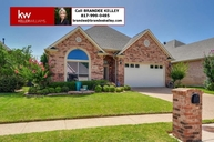 2802 Hollypoint Court Arlington TX, 76015