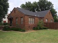 431 S 10th Clinton OK, 73601