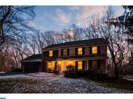 8 Laurie Ln Wallingford PA, 19086