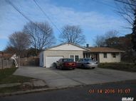 27 Ardmore Dr Brentwood NY, 11717