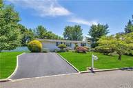 20 Partridge Ln East Setauket NY, 11733