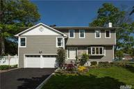 28 Narcissus Dr Syosset NY, 11791