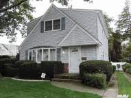 68 Cushing Ave Williston Park NY, 11596