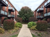 6427 North Damen Avenue 2w Chicago IL, 60645