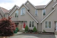 63 Roundtree Ct 63 Beacon NY, 12508