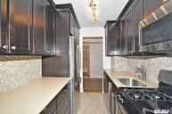16 Canterbury Rd 3k Great Neck NY, 11021