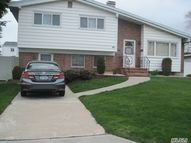 253 W 20th St Deer Park NY, 11729