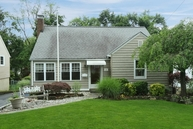 21 Freeman St Roseland NJ, 07068