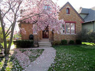 2445 N 63rd St 2445a Wauwatosa WI, 53213