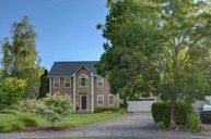 2464 Gardenbrook Ct Medford OR, 97504