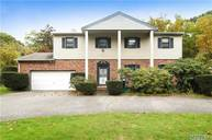 31 Munsell Rd East Patchogue NY, 11772
