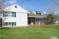 1069 Channel Dr Hewlett NY, 11557