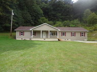 137 Winesap Lane Daniels WV, 25832
