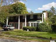 4 Colony Ct Greenlawn NY, 11740