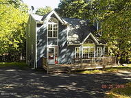 245 Oakenshield Dr Tamiment PA, 18371