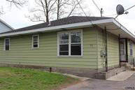 25 Winthrop St Colonie NY, 12205