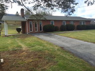 303 Valleydale Bluefield VA, 24605
