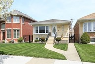 4835 North Oriole Avenue Harwood Heights IL, 60706