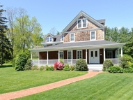 391 Cold Spring Rd Syosset NY, 11791