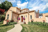 5724 N Lake Dr Whitefish Bay WI, 53217
