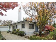 3224 E Burnside St Portland OR, 97214