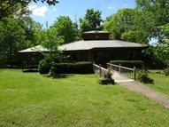 2302 Doll Conway Clifton TN, 38425