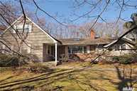 7 Redwood Dr Great River NY, 11739