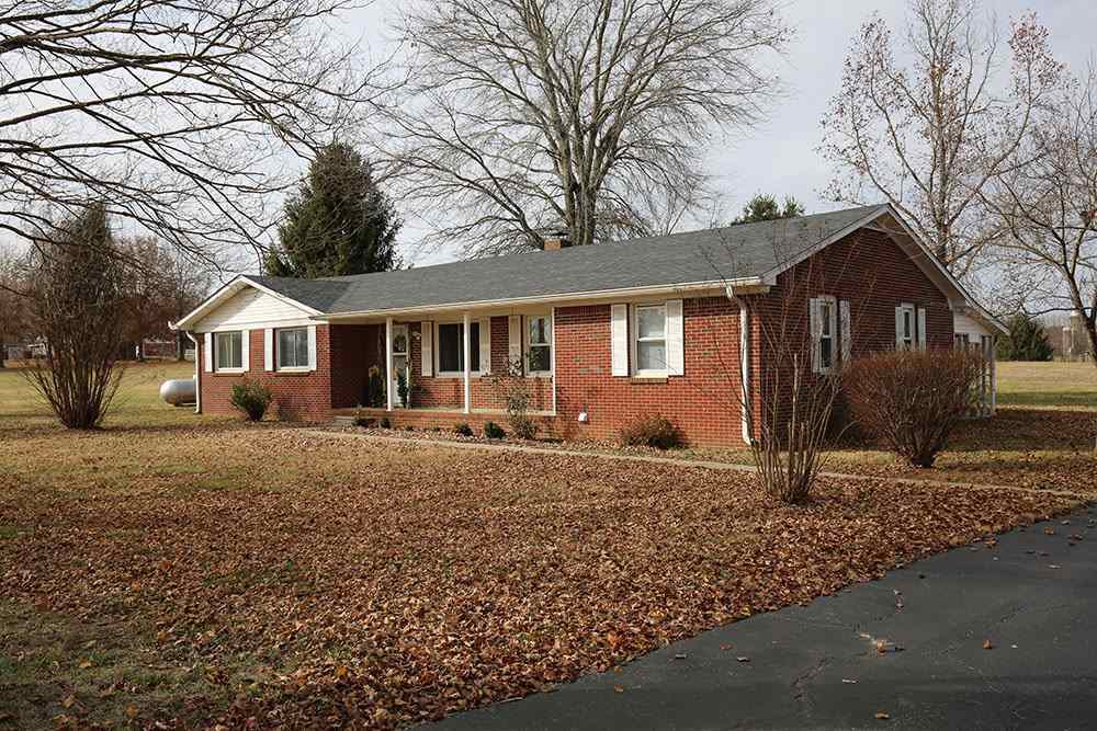10436 russellville rd bowling green ky 42101 for sale for Home builders bowling green ky