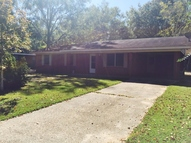 3612 Berkshire Rd Moss Point MS, 39562