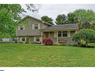 5 Woodlawn Drive Newfield NJ, 08344