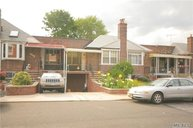28-06 56th Pl Woodside NY, 11377