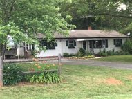300 W Melvin Hill Road Webster NC, 28788